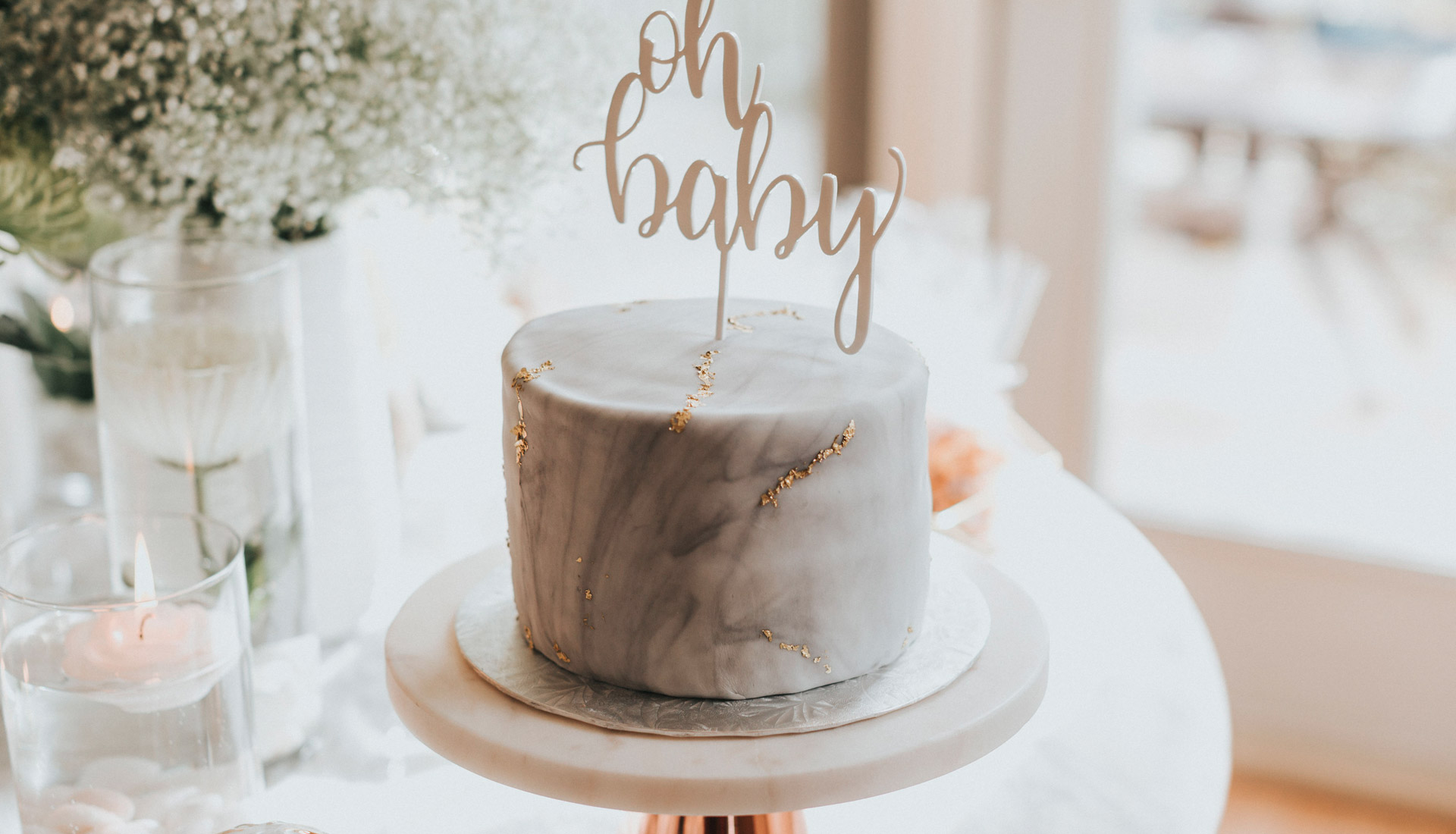 Annie's Cakes | Marble cake with gold details | Edmonton, AB