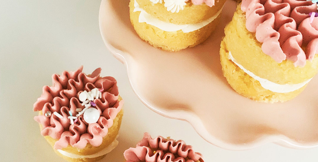 Pink mini cakes | Annie's Cakes baker located in Edmonton, AB